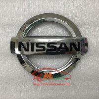 Biểu tượng mặt ca lăng Nissan Sunny (2013 - 2017): 848903AW0A